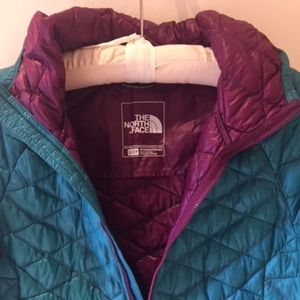 North Face Woman's Thermoball  Hoodie